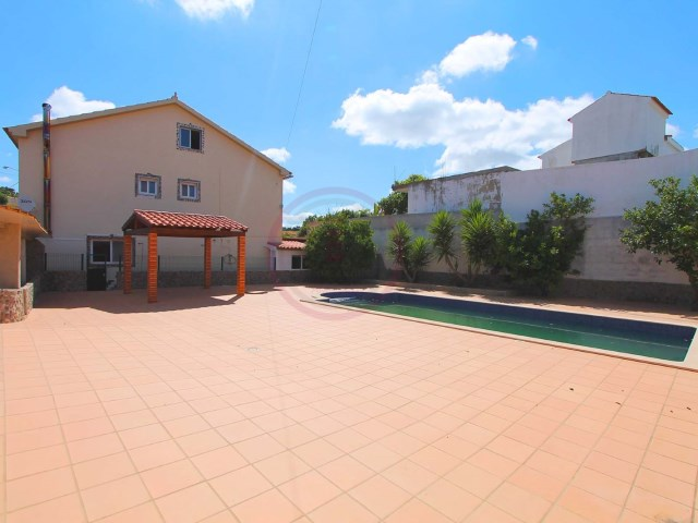 Villa with 5 bedrooms and swimming pool, ideal to monetize | 5 Bedrooms | 4WC