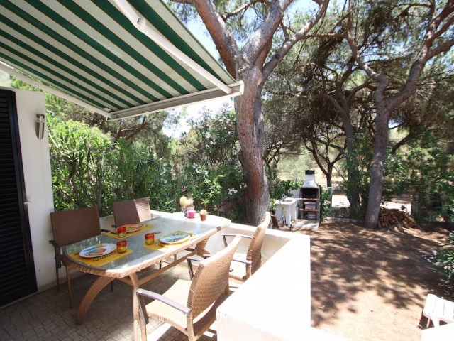 Semi-detached villa with 3 bedrooms and swimming pool in Vilamoura | 3 Bedrooms | 2WC