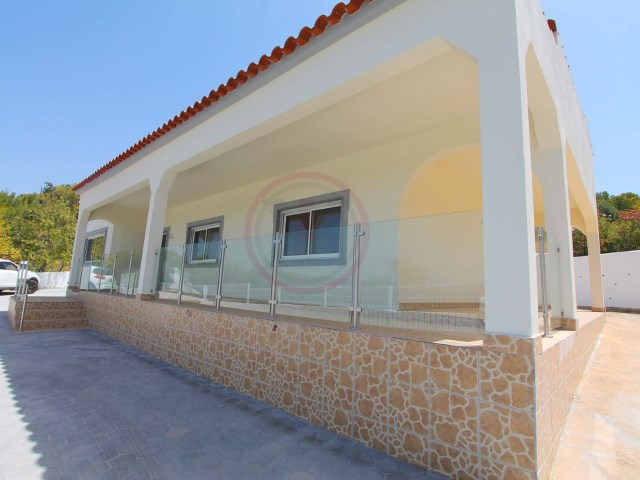 Detached single storey villa, renovated, with 4 bedrooms and pool near Loulé | 4 Bedrooms | 2WC