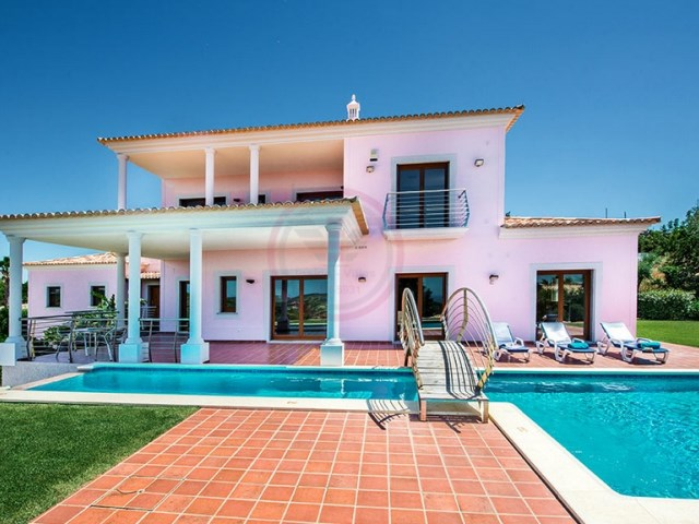 Luxury villa with swimming pool, 4 bedrooms and sea view! | 4 Bedrooms | 4WC