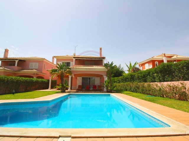 Villa with 5 bedrooms in Vilamoura just 2km from the beach | 5 Bedrooms | 4WC