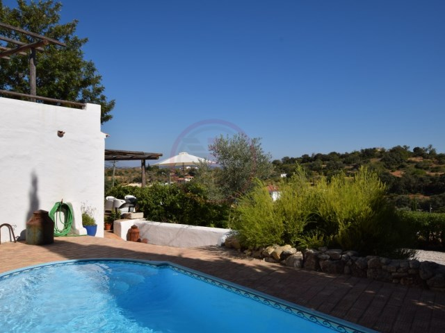 Beautiful typical villa with 2+1 bedrooms, pool and countryside views | 2 Bedrooms + 1 Interior Bedroom | 3WC
