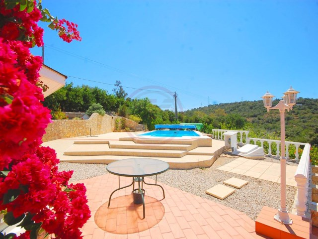 Villa with 3 bedrooms and swimming pool in quiet area | 3 Bedrooms | 3WC