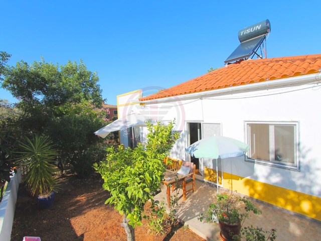 Renovated villa with 3 bedrooms plus annex in Santa Bárbara de Nexe | 3 Bedrooms + 1 Interior Bedroom | 2WC