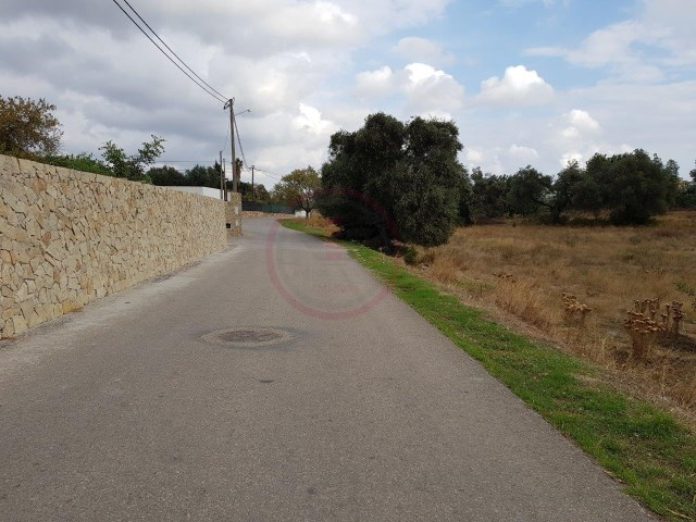 Plot plenty of potential near Vilamoura |