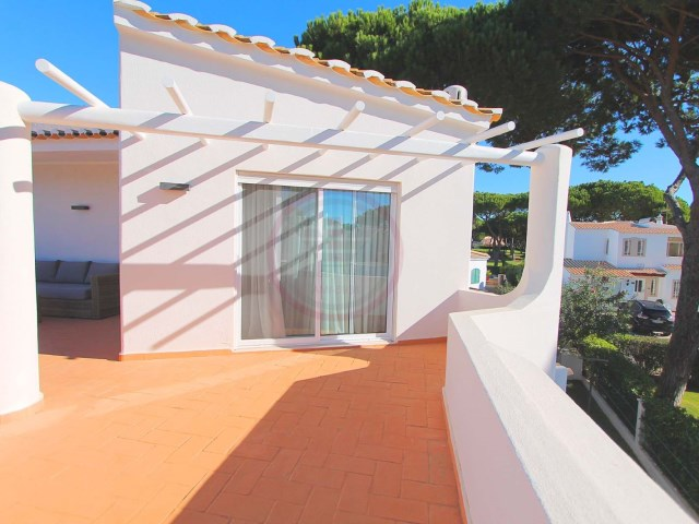 4 bedroom renovated villa with pool in Vilamoura | 4 Bedrooms | 5WC