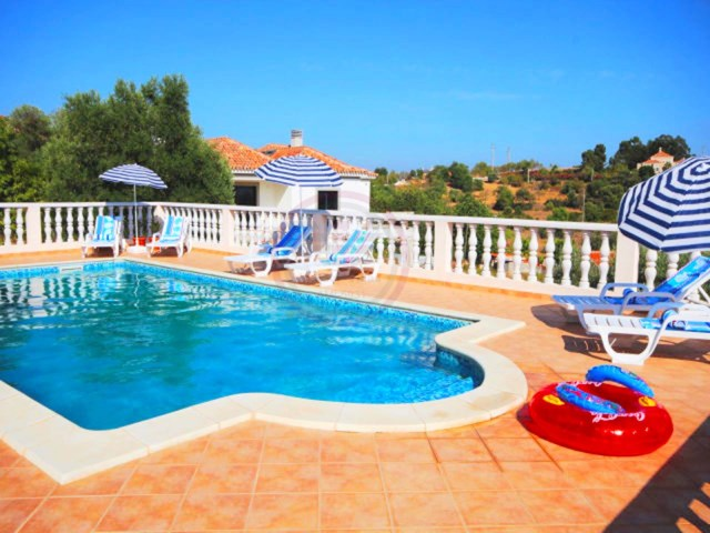 Villa with 4 bedrooms and pool, close to Almancil and beaches | 4 Bedrooms | 5WC