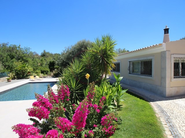 Villa with 3 bedrooms, garden and swimming pool near Loulé | 3 Bedrooms | 3WC