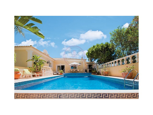 Charming villa with 4+1 bedrooms and pool in Almancil | 4 Bedrooms + 1 Interior Bedroom | 4WC