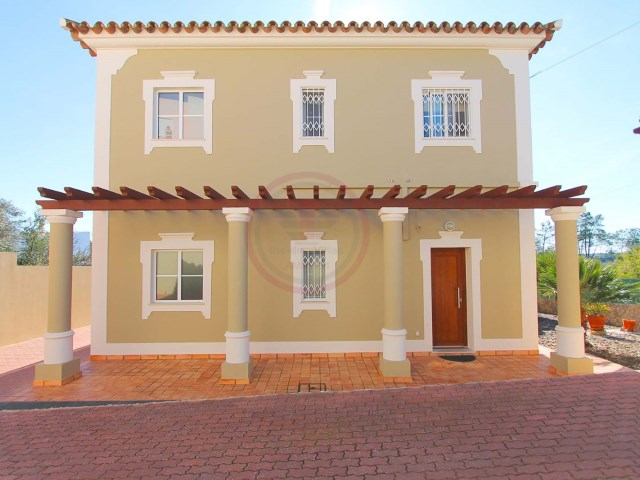 3-bedroom villa with pool, 5 minutes from beaches in Almancil | 3 Bedrooms | 4WC