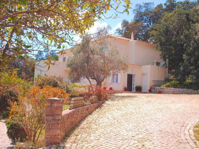 Villa with 4 bedrooms, pool and countryside views in São Brás de Alportel | 4 Bedrooms + 1 Interior Bedroom | 5WC