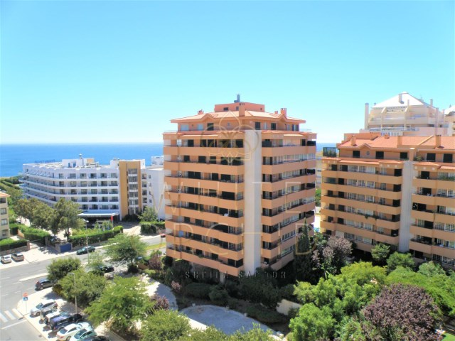 Penthouse duplex +1 T3 in privileged area of Cascais, close to the sea