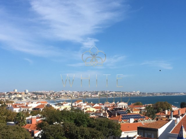 T6 +1 apartment in centre of Cascais, near the beach