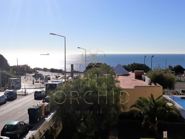 2 bedroom sea view condominium modern with swimming pool and tennis court, Cascais Guide