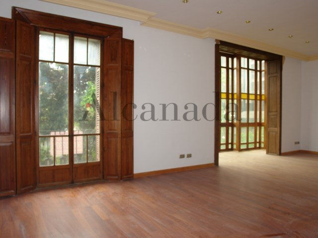 Apartament in Plaza de España,Palma_ living room _01