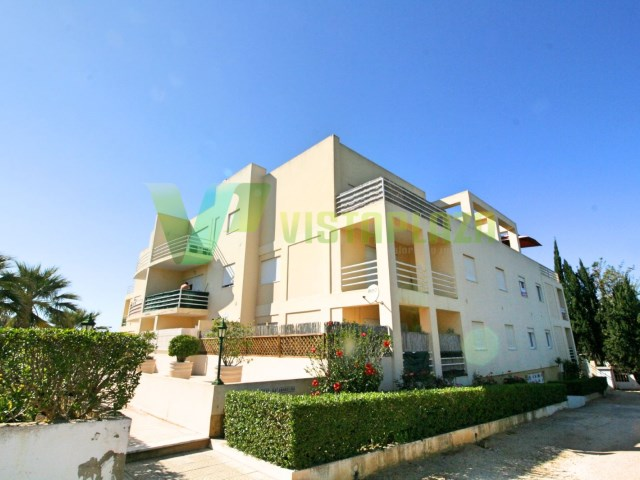 2 bedroom apartment on MULBERRY, ALVOR, 800 METRES FROM the BEACH, with 1 PARKING SPACE and GARAGE