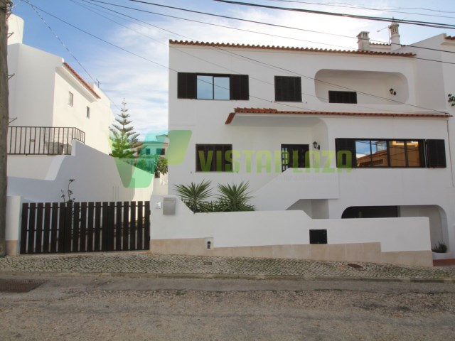 M6 HOUSING In FOJO, In Good Condition, With EXCELLENT Area, With YARD, GARAGE