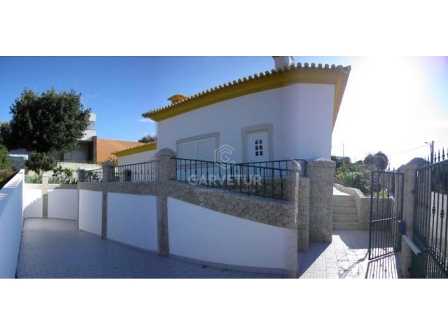 Algarve, Monte Canelas, 4 bedrooms villa with garden and pool