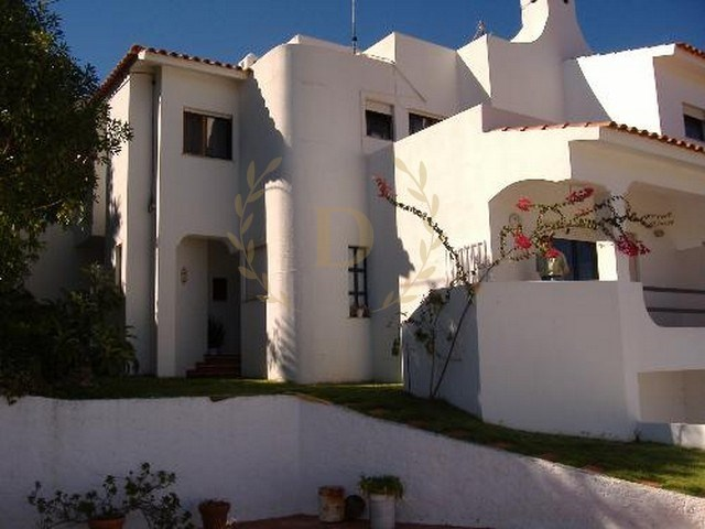 Villa M3 Twinned on one side, with a swimming pool in Carvoeiro | 3 Bedrooms | 3WC