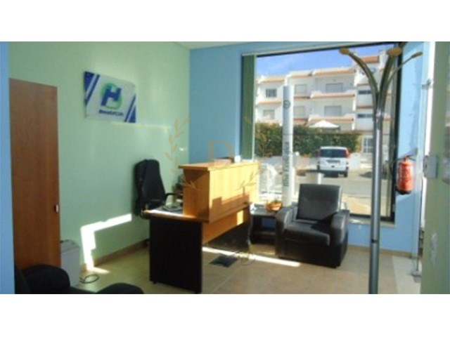 Shop for sale with special financing conditions |