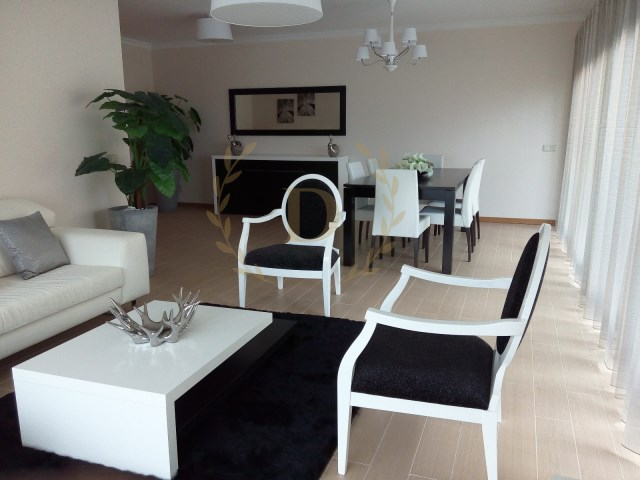 New 4 bedroom apartments in Praia da Rocha | 4 Bedrooms | 3WC