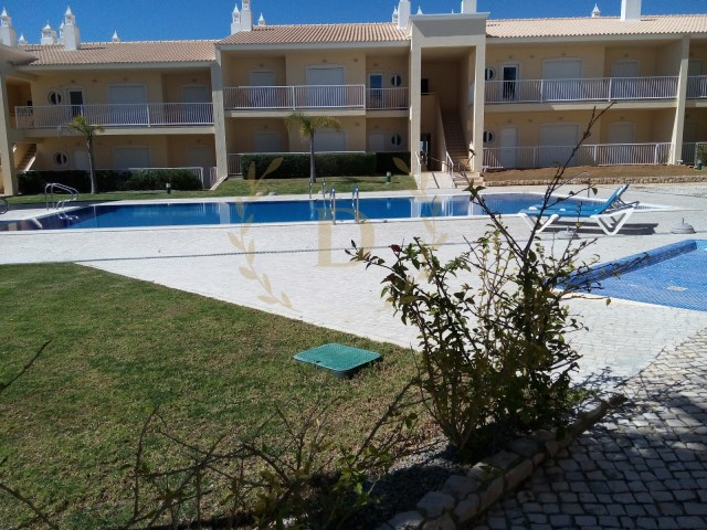 Apartments T1 inserted in gated community, resumption of Banking-the 2 Km from Praia da Galé | 1 Bedroom | 1WC