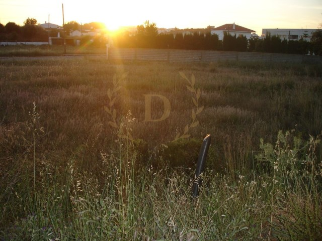 Urban land in Algoz with 405 m2 funded by banca |