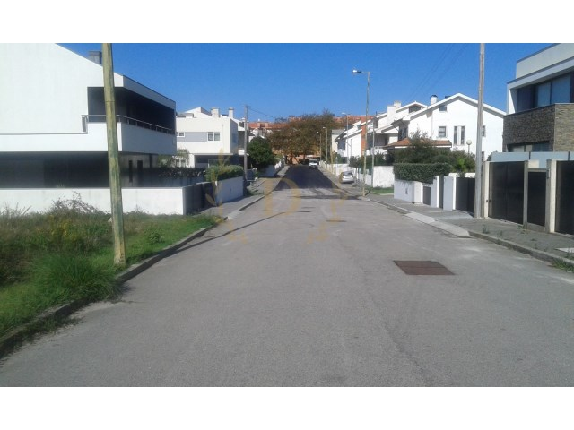Urban lot in Miramar-Gaia with 500 m2 |