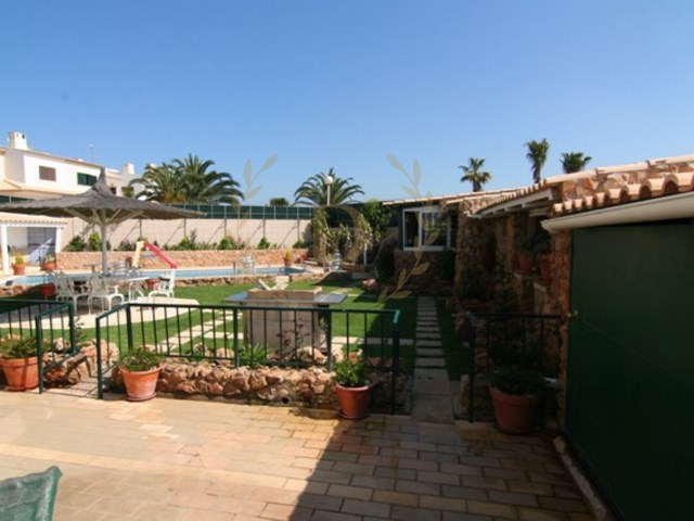 Detached house with swiming pool and land at Belavista-Ferragudo | 3 Bedrooms + 2 Interior Bedrooms | 3WC