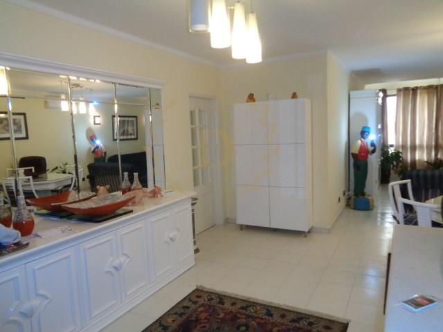 Low-price apartment 2 bedrooms all refurbished, well located with garage space at 900 m from the beach | 2 Bedrooms | 1WC