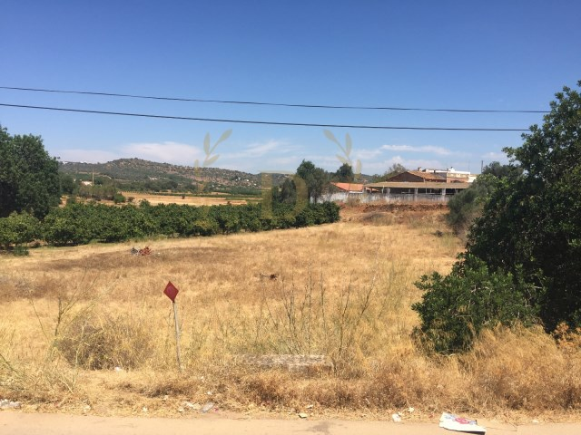 Land with 2480m2 and with 400 m 2 Benaciate farm urban |