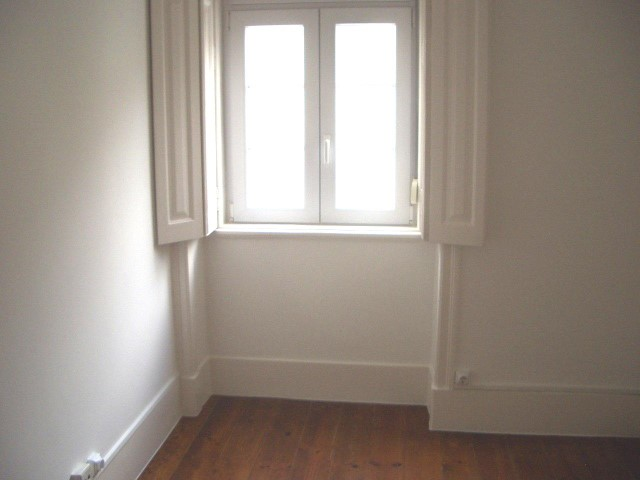 Lease of House 2 bedrooms duplex with 87 m2, next to London. | 2 Bedrooms | 1WC
