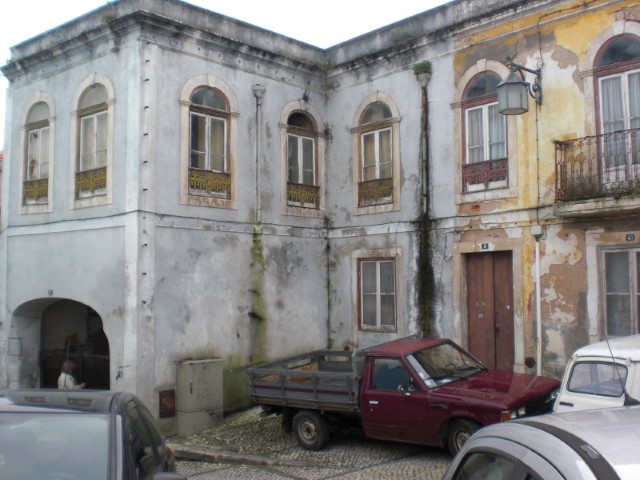Sale of old house near the Centre of Alcobaça-to demolish and rebuild.