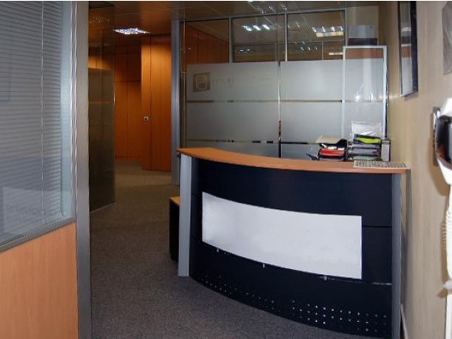 Venda de excelente escritório, em local privilegiado, no Beloura Office Park, com 240 m2.  |
