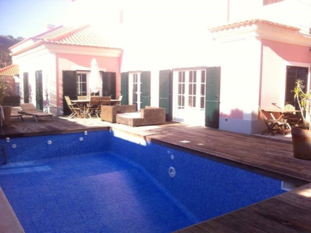 Villa to rent in Cascais | 6 Bedrooms | 4WC