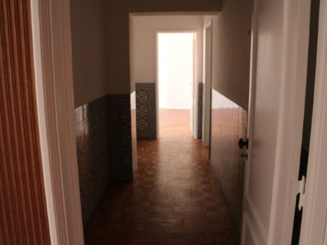 Apartment for rent T5 + 1 with 230 m2 on October 5 | 5 Bedrooms | 3WC