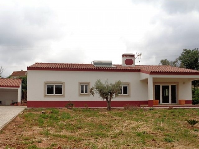 Detached single storey T3 murada, with 1,470 m2 plot in quiet village with beautiful view field. | 3 Bedrooms | 2WC