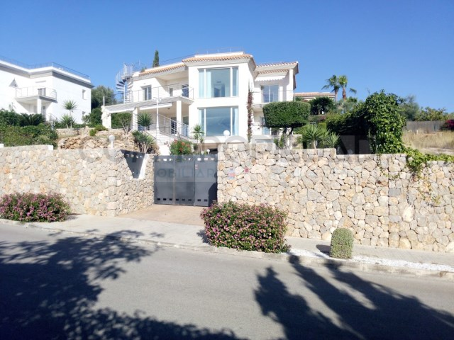 House 4 Bedrooms + 2 Interior Bedrooms › Santa Ponça
