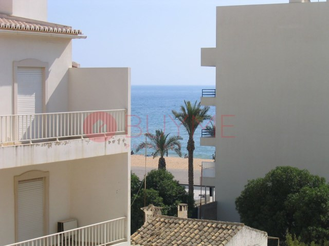 Accommodation-Hostel-sale-Beach-mar-Quarteira-Central-BUYMEproperty