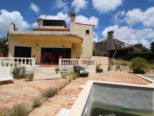Villa-4-rooms-Almancil