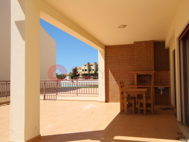 Flat-sale-2-rooms-swimming pool-condominio-Vilamoura-BUYMEproperty
