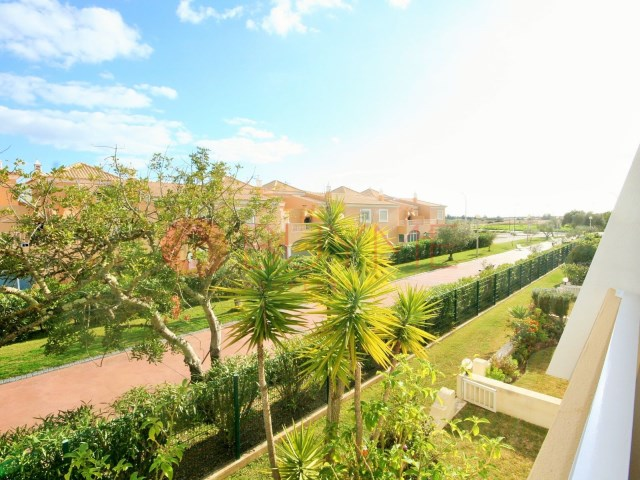 Cliffs-Golf-pool-pool-Vilamoura-buyme-Property