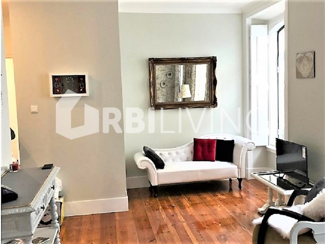 Apartment T2 +1 Duplex - Bairro Alto - Lisbon - URBILIVING