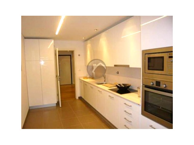 3 Bedroom Apartment-PRIVATE CONDOMINIUM CRANBERRY LINERS
