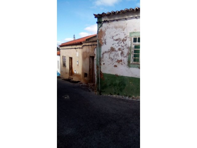 3 alte Häuser, zur Sanierung, in Alcantarilha-Silves - LUXAVENUE ...