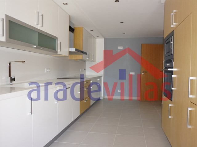 Apartment 4 Bedrooms › Portimão