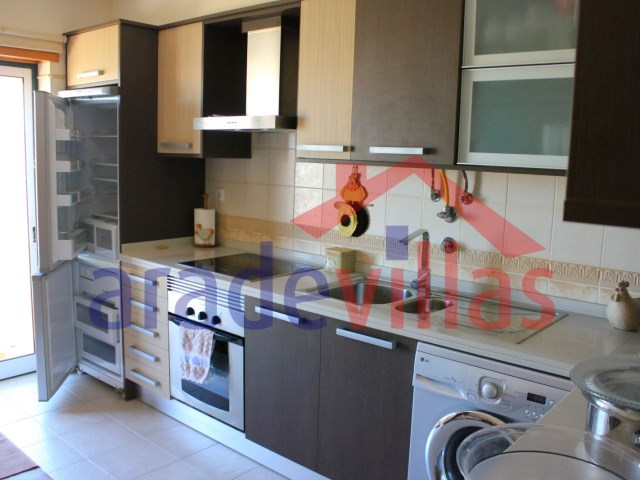 House 3 Bedrooms + 1 Interior Bedroom › Estômbar e Parchal