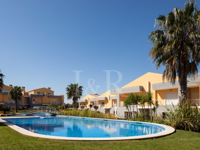 2 BEDROOM APARTMENT IN PRIVATE CONDO IN CASCAIS | 2 Bedrooms | 1WC