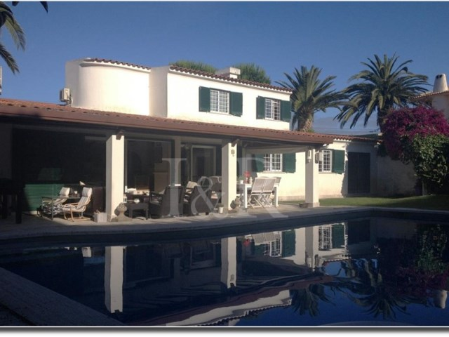 EXCELLENT 5 BEDROOM VILLA WITH GARDEN AND SWIMMING POOL IN BICUDA, IN CASCAIS | 5 Bedrooms | 4WC