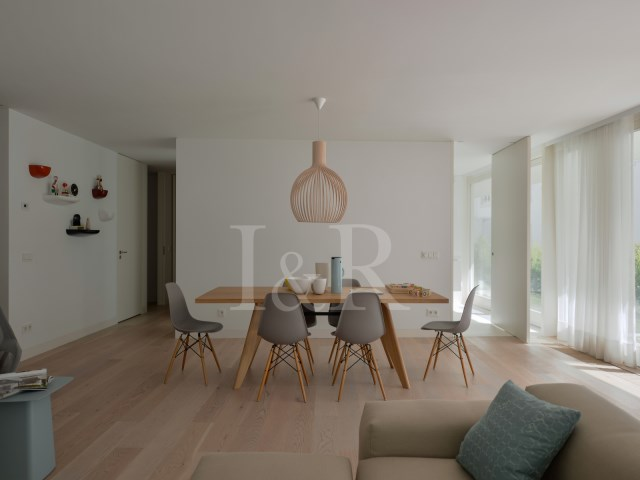 4 bedroom apartment in Santos, Lisbon - living room